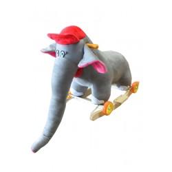 Eléphant longue trompe